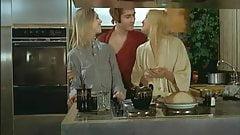 Les Plaisir Fous (1977)
