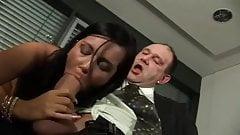 Sex 'la birou