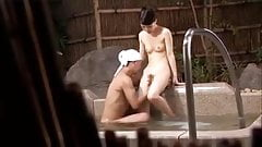 jap hot spring-wife1-onsen