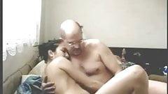Alter Mann fickt junges Arabisches Maedchen