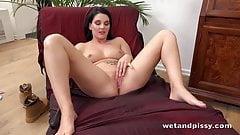 Curvy brunette pissing and masturbation session