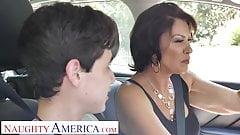 Frech Amerika Frau. fuller (vanessa videl) lehrt juan, wie