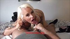 Blonde MILF wird im Hotelzimmer gefickt - Sexfreunde.com