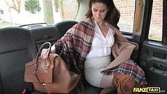 Fake Taxi, heißes Luder kehrt für grobes Anal zurück