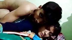 Teluguteen-Liebhaber haben Sex und nehmen zum Spaß auf