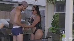 Super sexy puerto-ricanisches Paar hat leidenschaftlichen Sex draußen