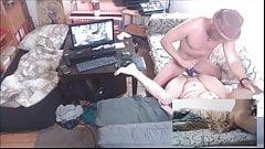 Meine Stiefmutter erwischte mich beim Porno-Ficken