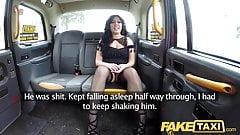 Fake Taxifahrer gibt schwanzhungrigen Minx einen guten harten Fick