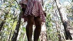 Crossdresser DWT im Wald Wood